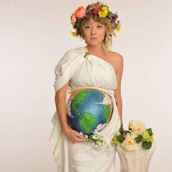 DIY Mother Earth Halloween Pregnancy Costume Idea