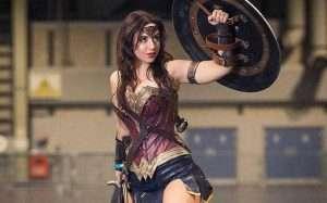 Etsy - DIY Wonder Woman Halloween Costume Idea