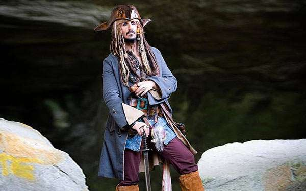DIY Jack Sparrow Pirate Costume