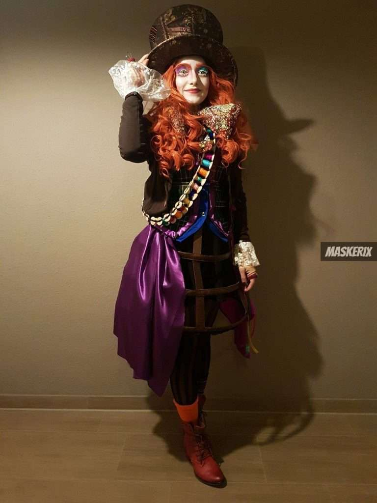 maskerix - DIY Alice in Wonderland Mad Hatter Costume Idea