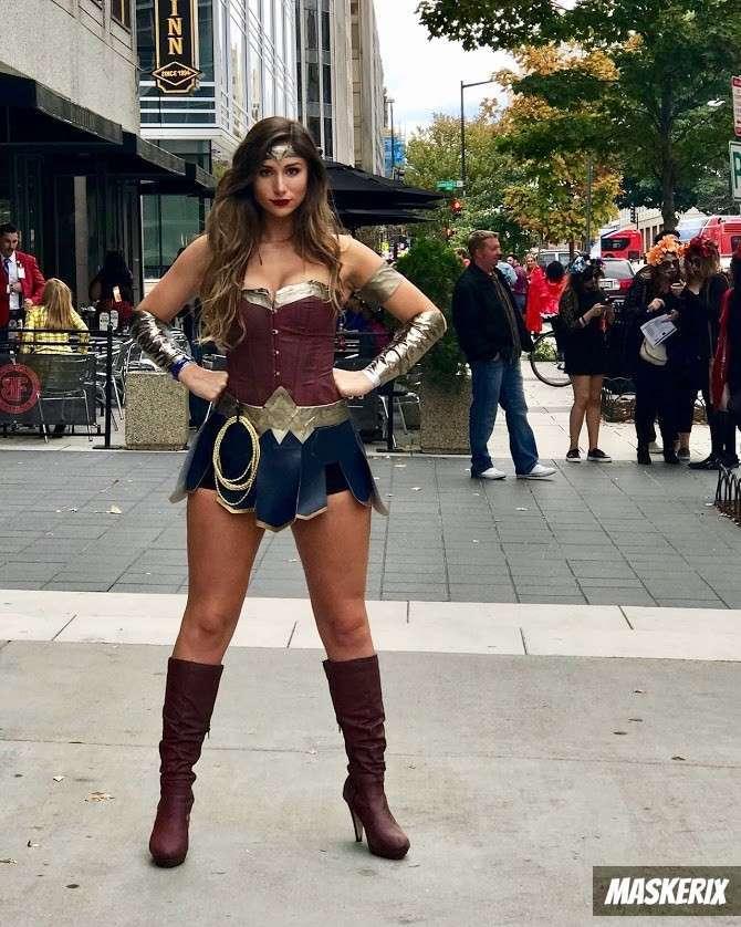 maskerix - DIY Wonder Woman Costume Idea