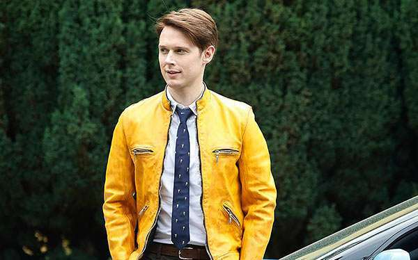 DIY Dirk Gently Costume