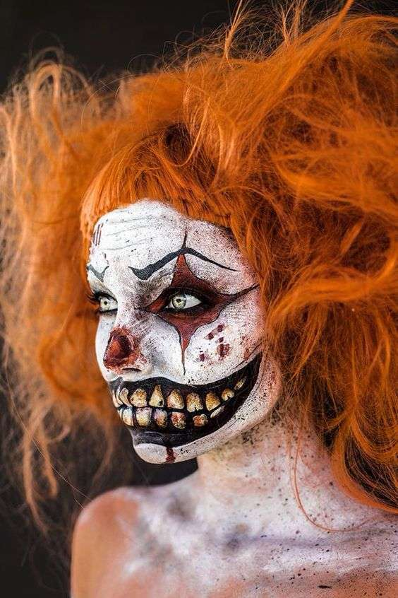 DIY Creepy Clown Halloween Costume Idea