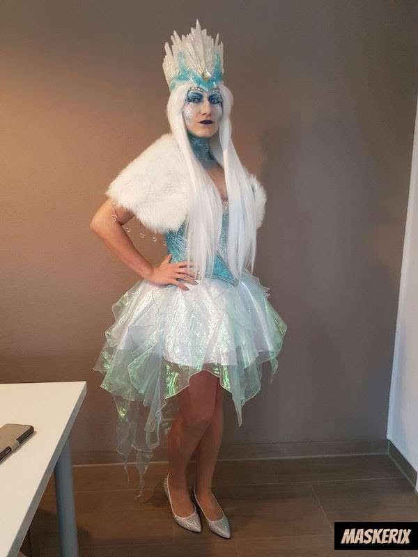 maskerix - DIY Ice Princess Halloween Costume Idea