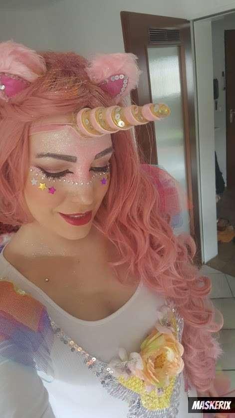 maskerix - DIY Unicorn Halloween Costume Idea