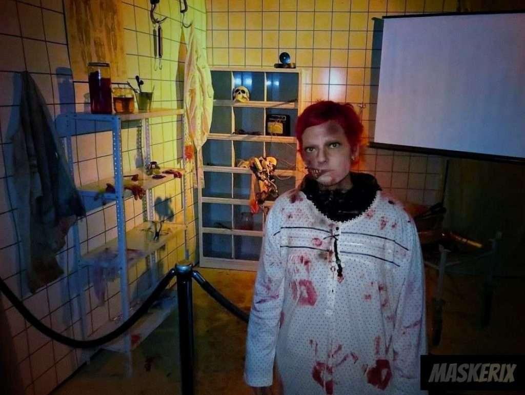 maskerix - DIY Zombie Halloween Costume Idea