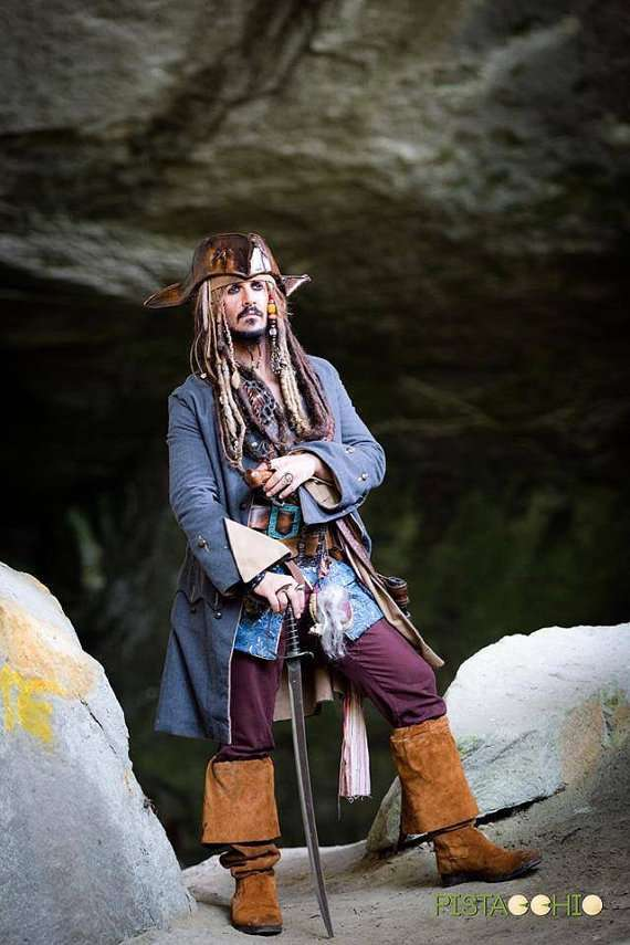 Etsy - DIY Jack Sparrow Pirate Halloween Costume Idea