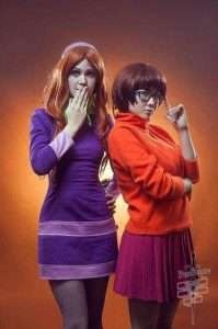 Etsy - DIY Scooby Doo Daphne Halloween Costume Idea