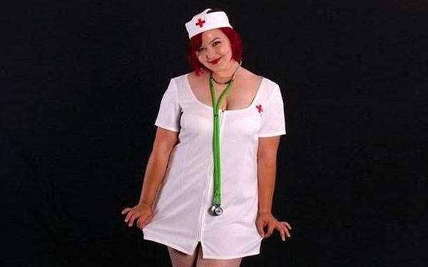 DIY Nurse Halloween Costume Idea