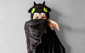 Etsy - DIY Toothless Costume Idea
