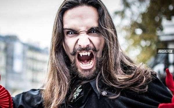 maskerix - 2018 Halloween Foto Contest - DIY Vampire Halloween Costume