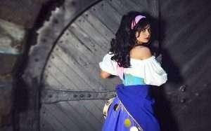 Etsy - DIY Hunchback of Notre Dame Esmeralda Costume Idea