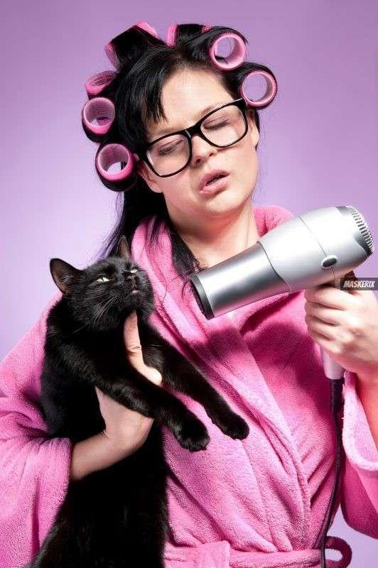 maskerix - DIY Crazy Cat Lady Costume Idea