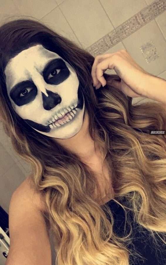 maskerix-HalloweenPhotoContest2019-Skeleton