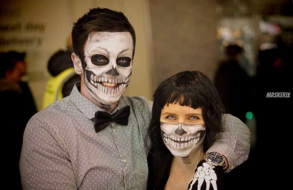 maskerix-HalloweenPhotoContest2019-Skeletons2