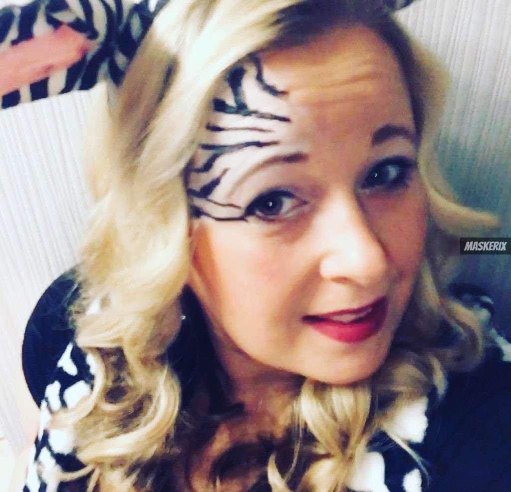 maskerix - Carnival Photo Contest 2020 - DIY Zebra Costume